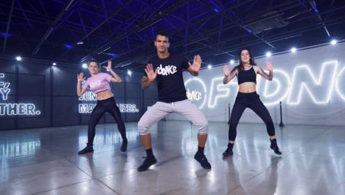 一支超好看的健身舞,年轻人都喜欢,节奏动感欢快!