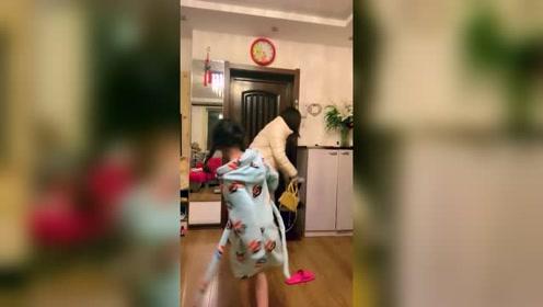 妈妈要出远门了,我跳支舞送送她!