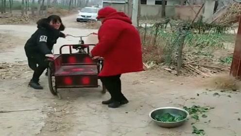 婆婆又在姐姐家住了几个月,这次趁姐姐不在家,赶紧把婆婆偷回家!