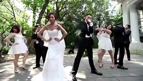 现在没点才艺都不敢结婚了,新郎新娘婚礼现场大跳神曲!