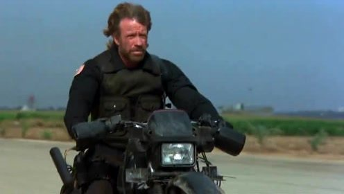 《突袭贝鲁特》摩托车上的火箭弹和机枪猛烈开火,干掉敌人的坦克