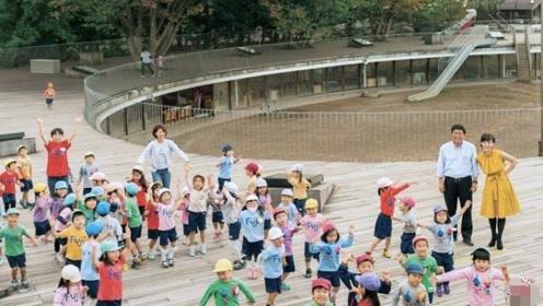 建在屋顶上的幼儿园,危险无处不在,家长却拍手叫好