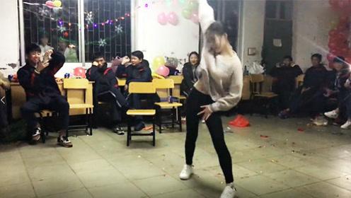 高中老师一跳成名 热舞《Samsara》引全场尖叫