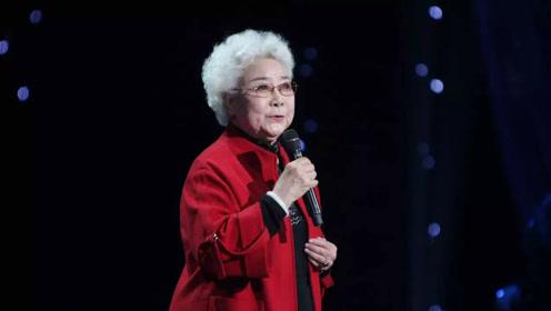 """89岁""""白毛女""""仍赚钱养家,4位至亲患癌,依然不接药厂代言!"""