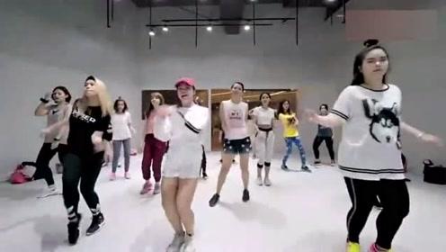 韩国舞蹈《Worth It》舞蹈练习,简单好学适合新手