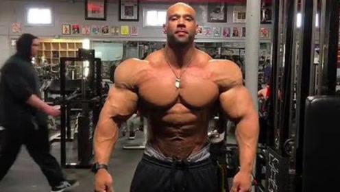 完美来形容他的身材,真的一点都不过分!