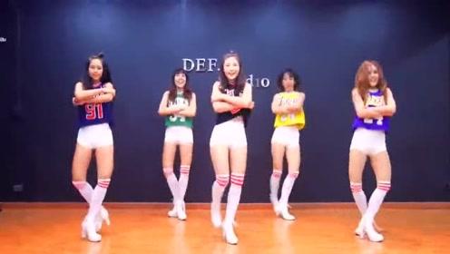 泰国五美跳C哩C哩舞 长腿细腰美到窒息