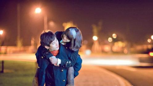 爱情这东西,有时候就为了一点点不知道存在不存在的喜欢,而坚持着