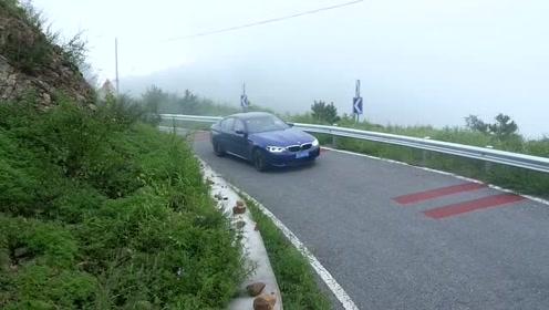宝马M5跑山路
