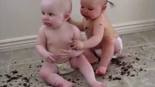 三胞胎萌宝吃蛋糕,分分钟吃出了灾难片的效果