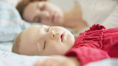 孩子有这几个表现,说明家长应该和孩子分开睡,不然后果会严重