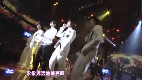 重温《超级女声》:江映蓉演唱《龙的传人》,耍双节棍超帅气!