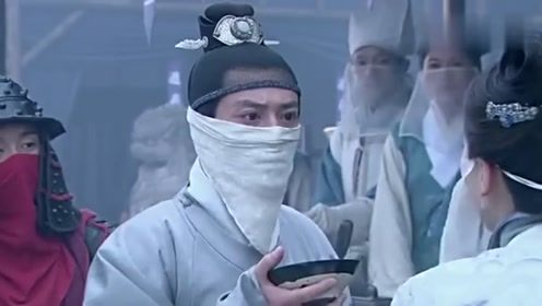 允贤身体不适,朱祁镇亲密查看是否发烧,允贤却是有喜了
