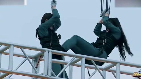 """陈乔恩和程潇空中对""""情话"""",姿势夸张,吓坏了杨迪!"""