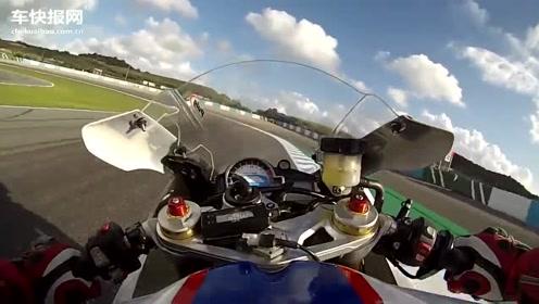 实拍摩托高手骑BMW S1000RR赛道压弯