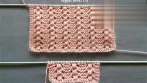 一款简单淡雅的纯色镂空花编织,适合编织背心跟小朋友的外套!