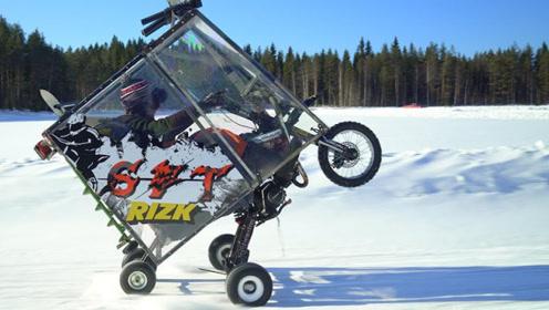 外国小伙捡破烂组装五轮摩托车,还能站着开,也能雪地漂移