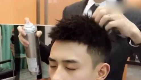2019年流行发型,型男锡纸烫,网友:太帅了吧?