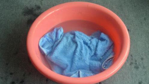 洗毛巾时倒一碗,不管多脏多旧的毛巾,搓一搓立马焕然一新,实用