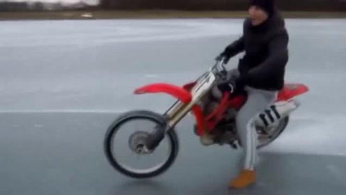 小伙把摩托车胎钉满1000颗钉子,在冰面上跑一圈,简直要飞起来了