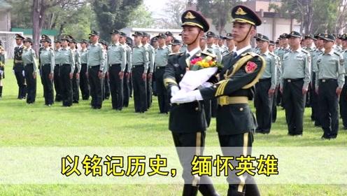驻香港部队三军仪仗队官兵缅怀先烈