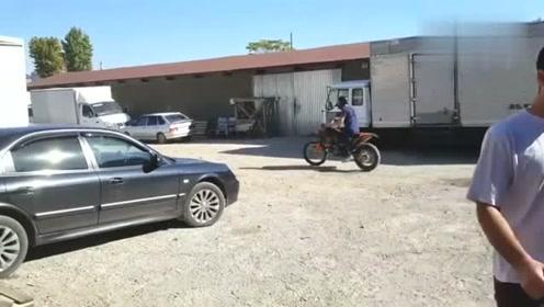这款越野摩托车 国内应该没人买吧