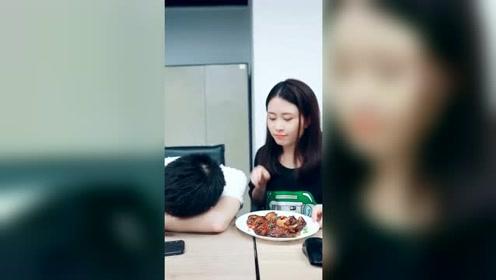 办公室小野:说好的带你吃鸡,就带你吃鸡,不过并不是那个鸡!