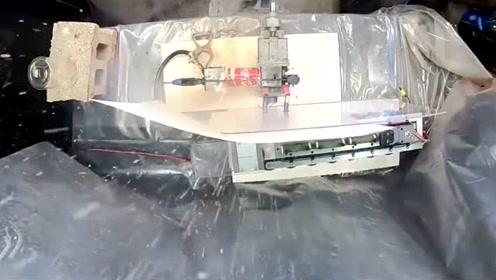 科技奇趣:100万安培的电流破坏力有多大?用西瓜试试