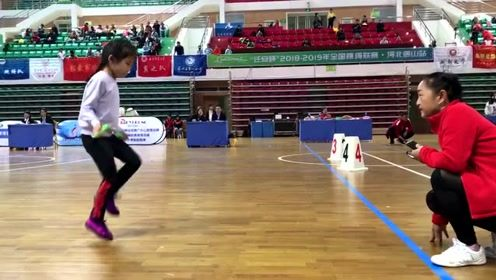 小女孩跳绳9个月长11厘米,30秒跳绳147个