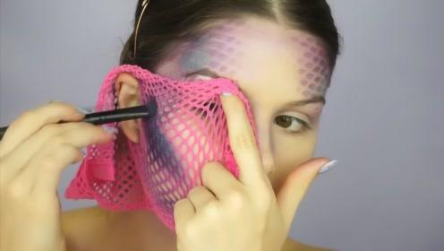 大妈变身美人鱼?女子将渔网套在脸上化妆,取下的一秒被惊艳到了