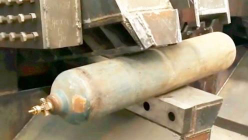 削铁如泥算什么,这机械对付钢板都像在吃饼干