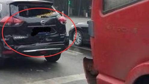 大货车撞上日产逍客,看完汽车车况后,网友:谁敢再说日系车不行