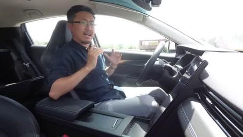 分秒试驾:加速快刹车软玻璃天幕拉风但很热的小鹏G3