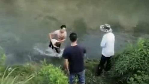 3岁留守女童落水,过路民工倒挂救人后内疚:方法好像不对