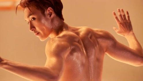 张艺兴为MV刻苦练健身 半裸晒胸肌秀好身材