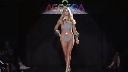 纽约时装周泳装秀,这衣服设计的很微妙,恰到好处的性感!