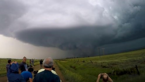 盘点20个龙卷风袭来的震撼画面