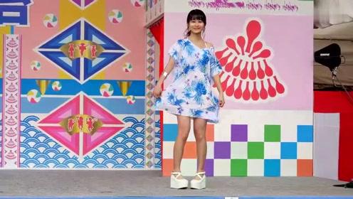 亚洲时尚泳装,模特气质敲可爱,风华迷人