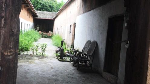 """广东发现""""无人村"""",整个村子荒废阴森,据说傍晚7点前要离开"""