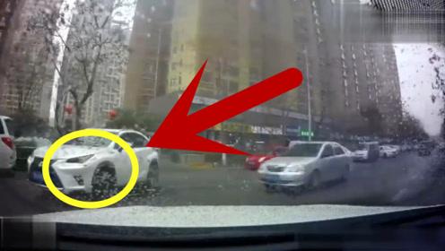 开着豪车就逆行超车,轿车却不惯着他,网友:这谁的责任