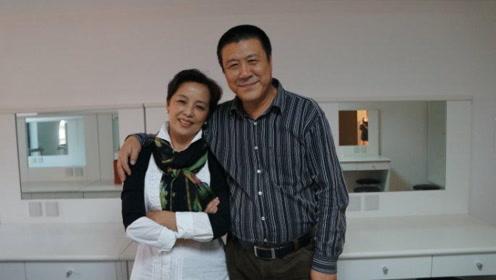 炊事员转行成一级演员,扮演济公被质疑,与老婆相恋34年