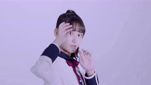 蒋依依的青春感发型,秒变18岁