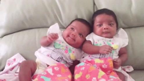 好想要对双胞胎!这画面太温馨,心要化了