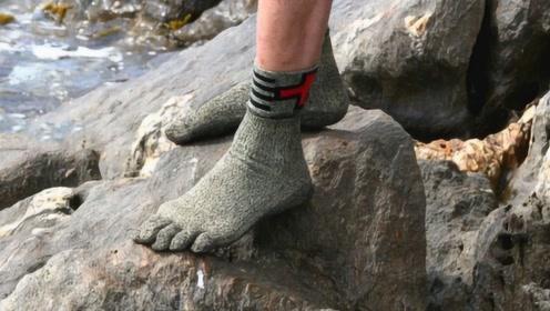 """全球最""""坚硬""""的袜子,比钢铁还硬15倍,有了它还要鞋干嘛?"""