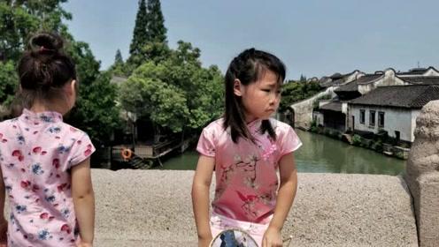 岳云鹏老婆晒两女儿旗袍照,7岁大女儿亭亭玉立像极了爸爸