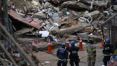 现场!智利两处房屋严重倒塌6人死亡 至少有千余房屋有倒塌风险