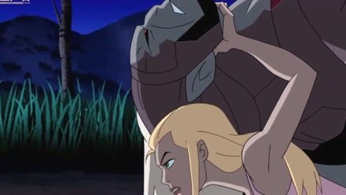 终极异形:尤妮丝有点强啊,一招就制服了追杀她的巨雷