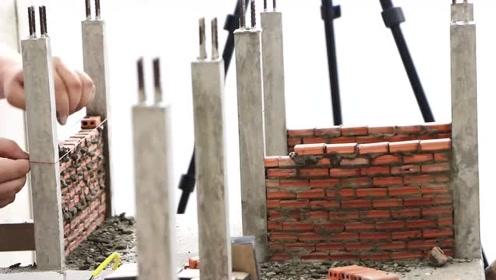 微型建筑、手工建造:砖砌房屋,模型楼梯