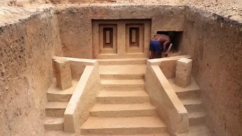 男子手工建造神殿,出来效果惊人
