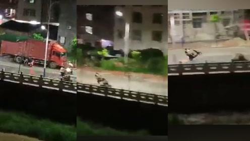 广东男子顶狂风暴雨秀车技掂车头,一路疯狂飙车火花四溅